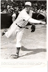 Dizzy_pitching_1947